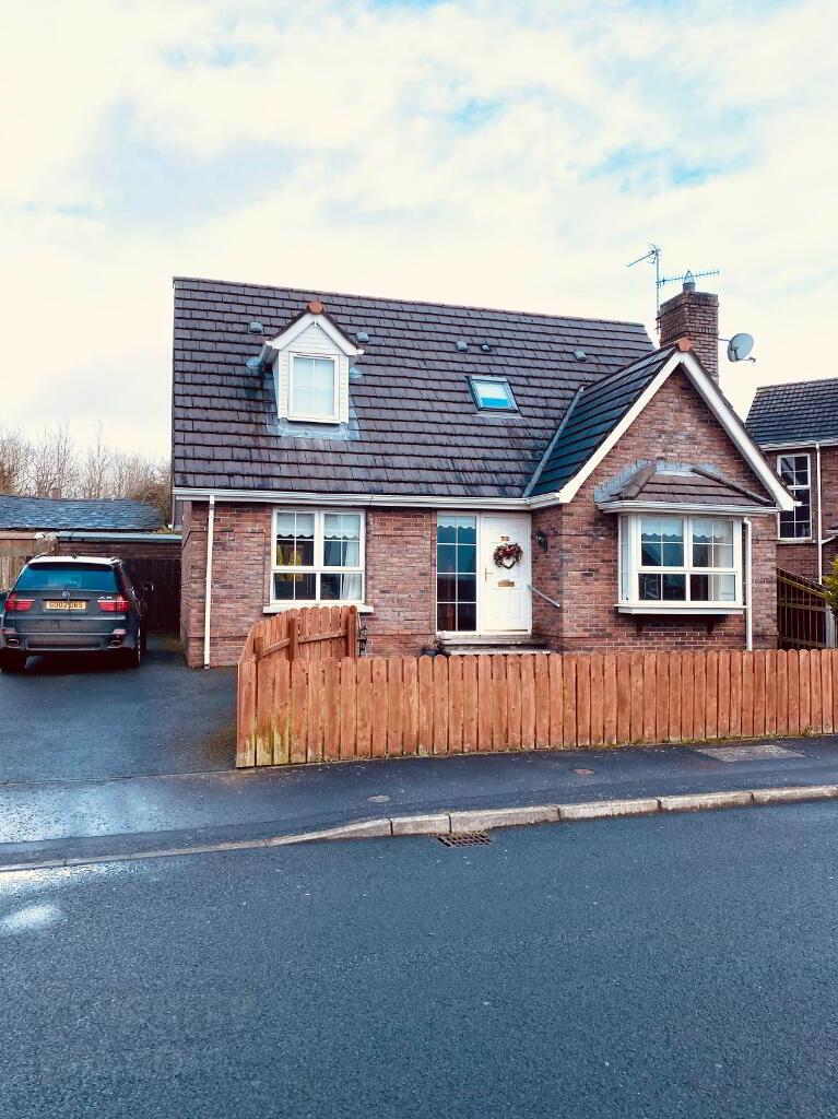 32 hillcrest Manor, ,Homes,For Sale,hillcrest,1113